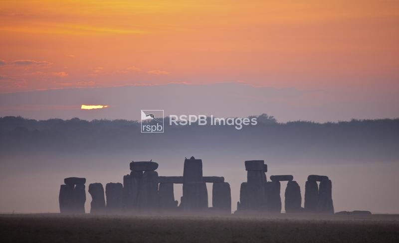 Sunrise over Stonehenge, Wiltshire, May ...